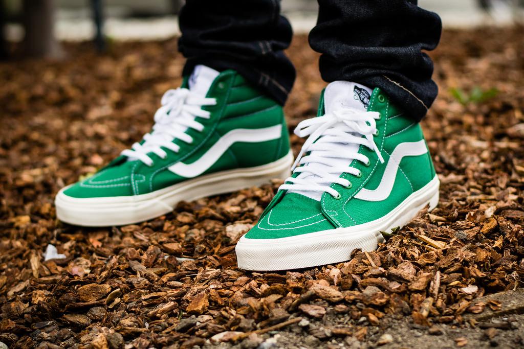 59beb73ec9baff Vans Sk8 Hi Reissue 10 oz Canvas Verdant Green on foot photo