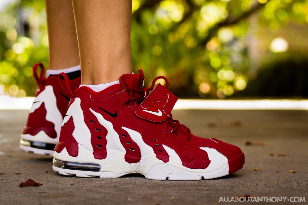 meet 64cca c6d75 nike diamond turf max 96  nike air dt max 96 varsity red on foot photo