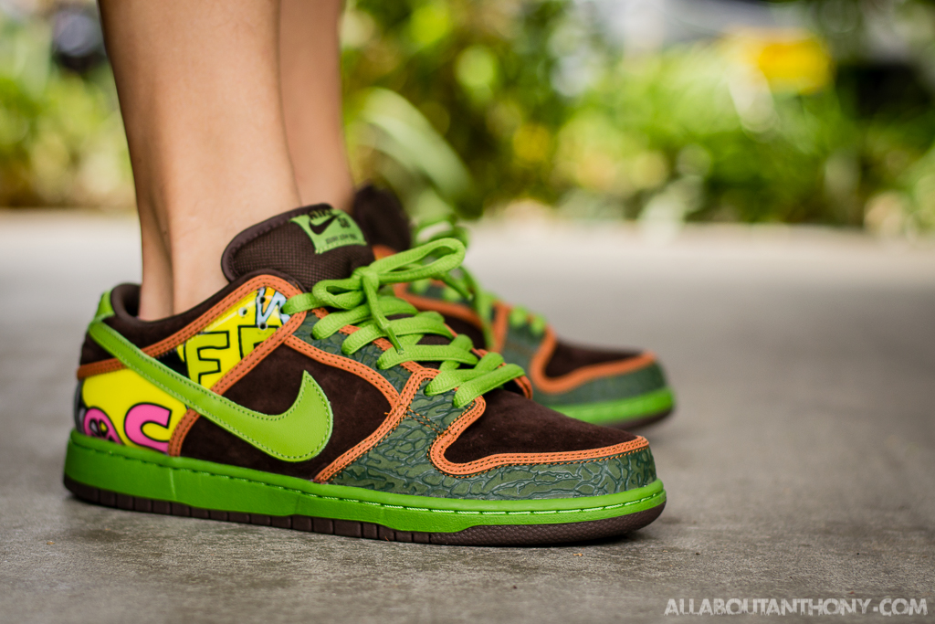 Nike Dunk Low SB De La Soul on foot photo