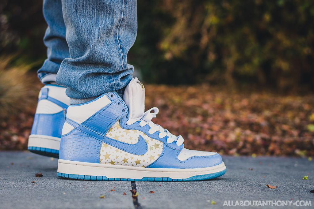 buy popular ed9a6 12aa3 Nike Dunk High SB Supreme Blue on foot photo
