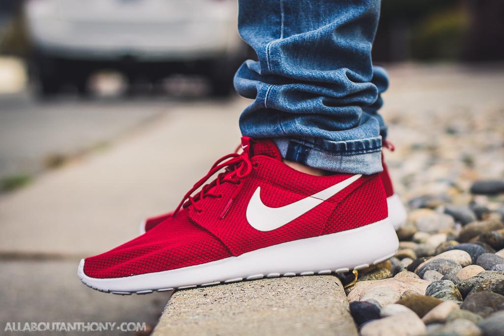 Nike Roshe One Gym Red - On Feet