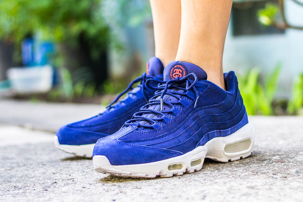 the latest 5c4c0 a6c1d ... discount code for nike air max 95 stussy loyal blue on foot photo 73140  0da6c