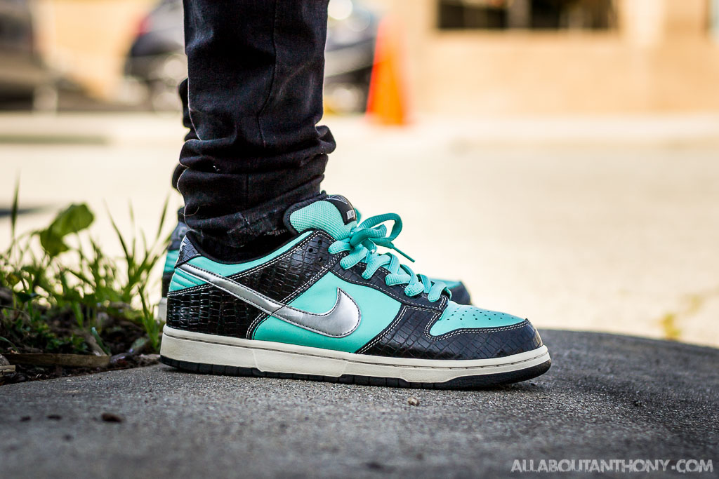 competitive price 00a10 4238d Nike SB Dunk Low Tiffany On Foot Sneaker Review nike sb dunk low diamond on  feet