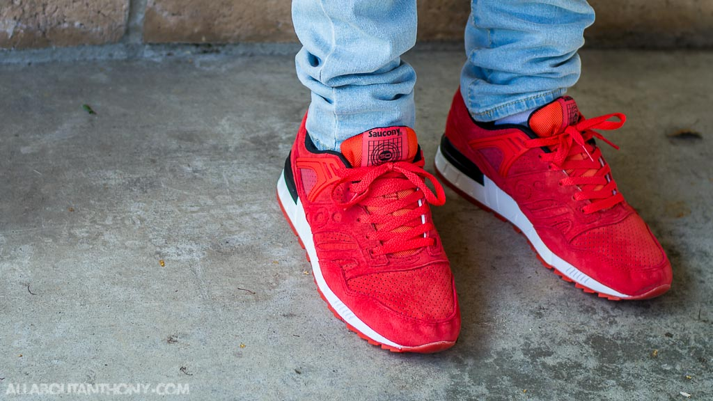 innovative design a4a0c 7b6f2 Saucony Grid SD No Chill Red on feet