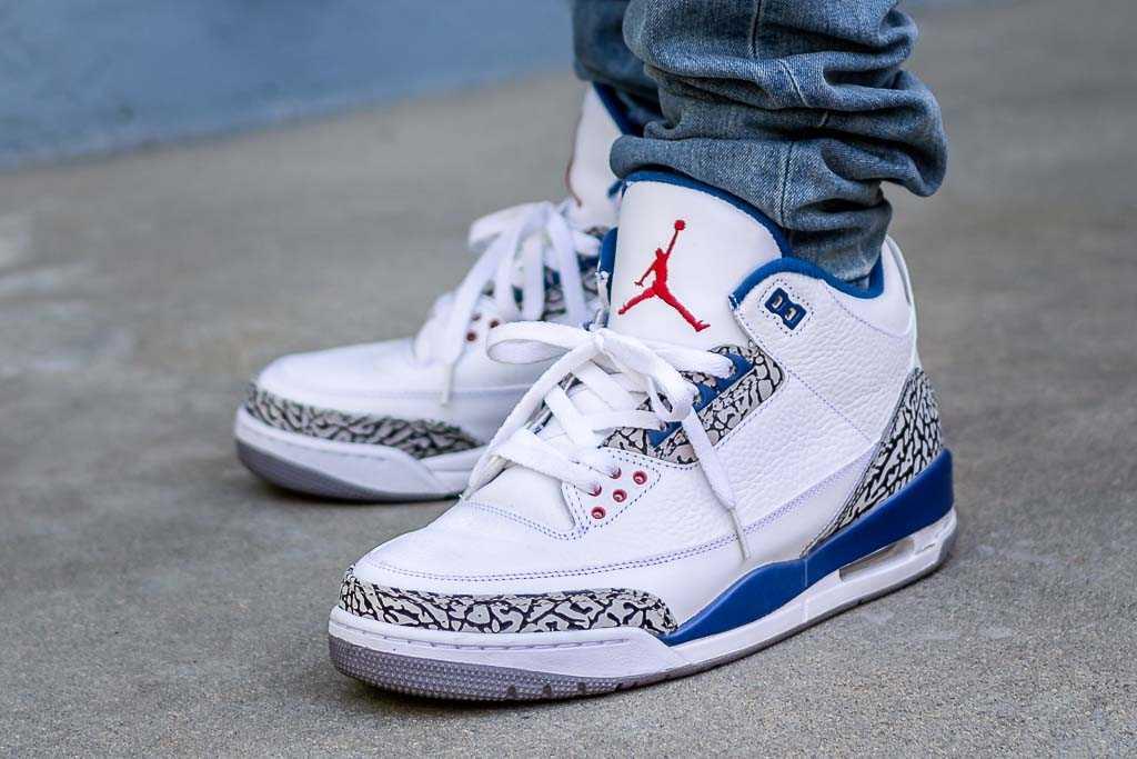 2011 Air Jordan 3 True Blue On Feet