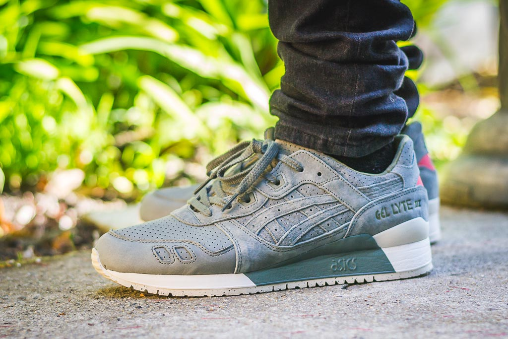 Asics Gel Lyte 3 Agave Green Perforated Pack on feet