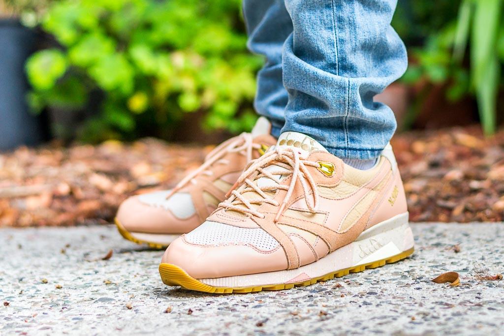 Feature Diadora N9000 Ice Cream on foot photo