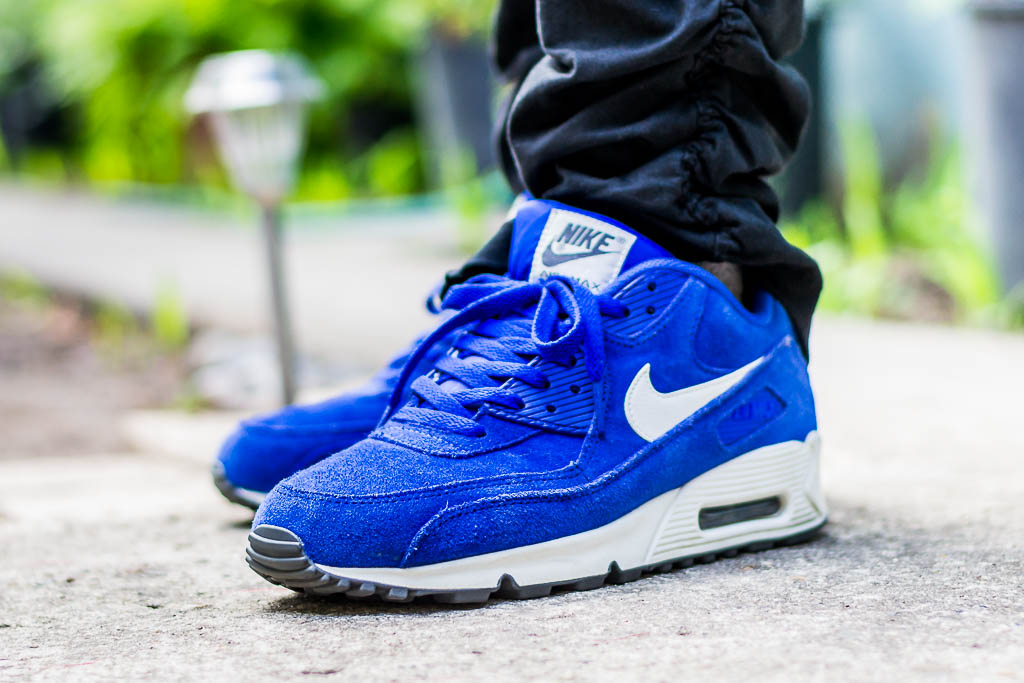 Nike Air Max 90 Hyper Blue On Feet Sneaker Review