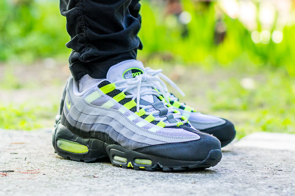 2010 Air Max 95 Neon On Feet Sneaker Review