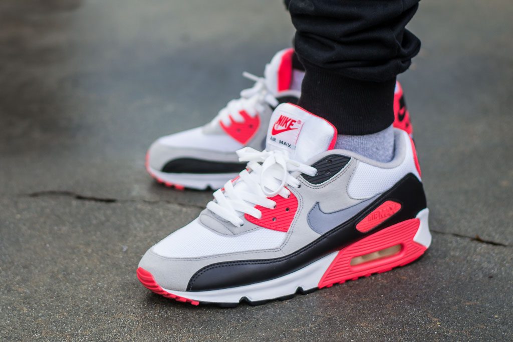 reputable site 355b5 87743 Nike Air Max 90 Infrared alt