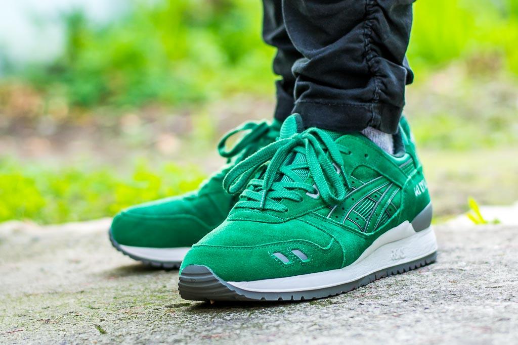 Asics Gel-Lyte III Green Suede on feet