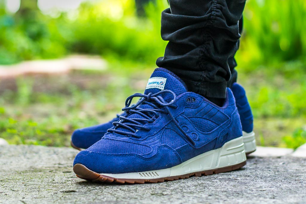 Saucony Shadow 5000 Navy Suede On Feet