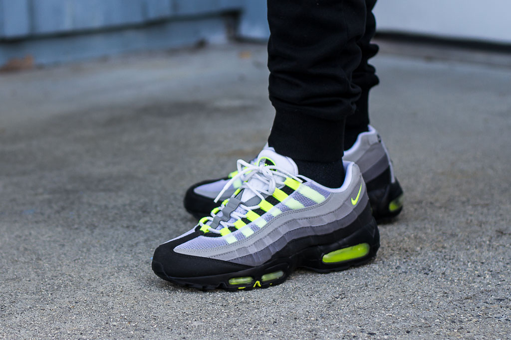 2010 Air Max 95 Neon On Feet Sneaker Review - Classic Colorway!