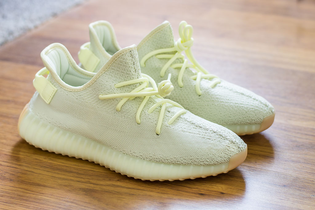 194ae8b1bf783 Adidas Yeezy Boost 350 V2 Butter - Sneaker Pickup   Unboxing
