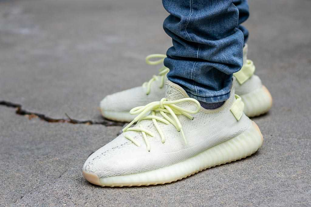 immediato via repressione  Adidas Yeezy Boost 350 V2 Butter On Feet Sneaker Review