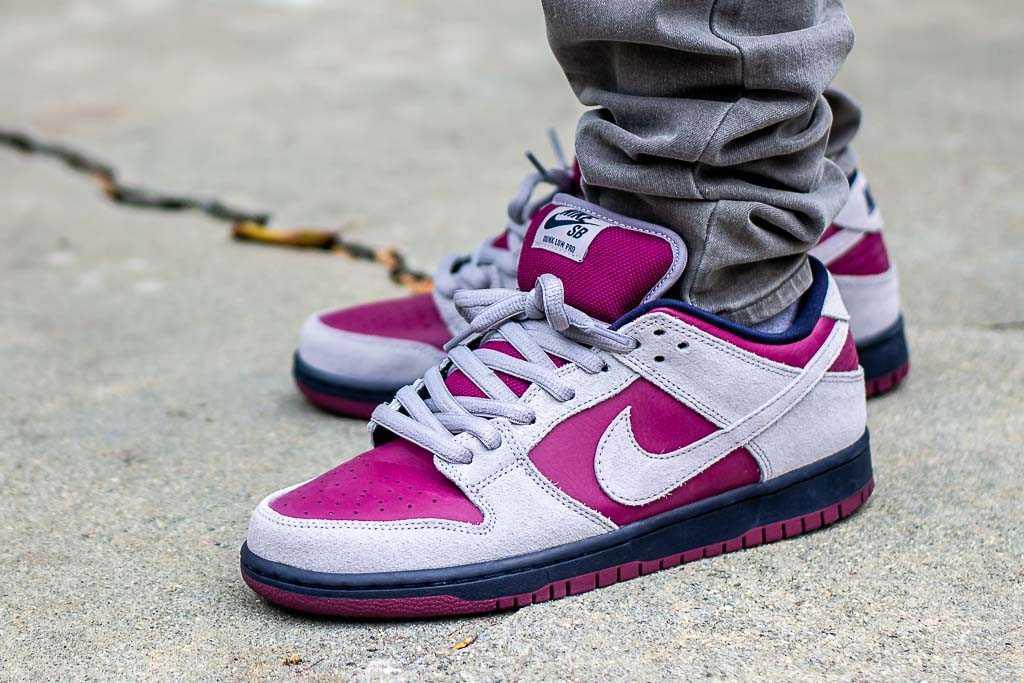 site réputé 04f2d 4695d Nike Dunk Low SB True Berry On Feet Sneaker Review