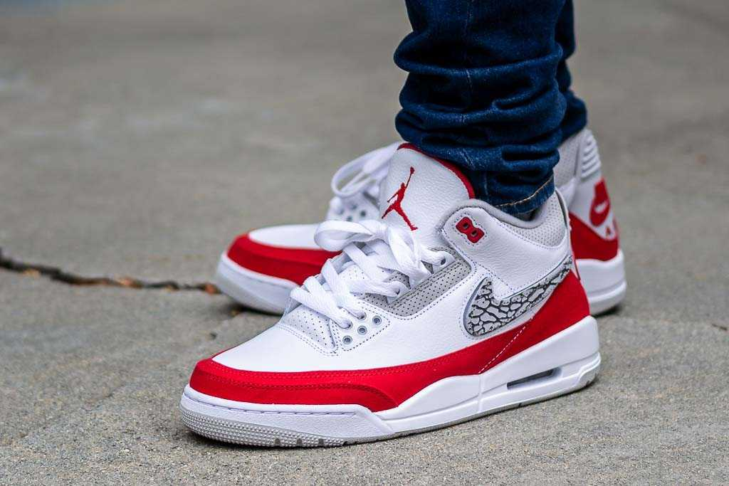 finest selection f059d c4311 Air Jordan 3 Tinker Hatfield Air Max 1 On Feet Sneaker Review
