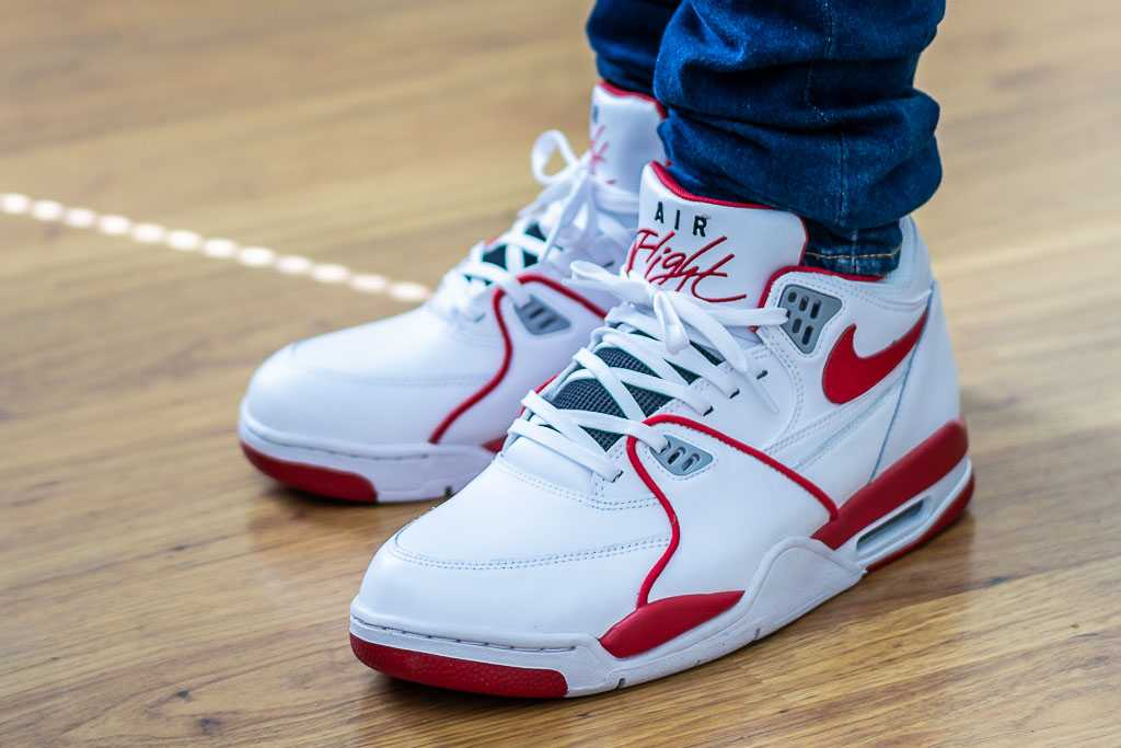 Cambiable semiconductor valores  Nike Air Flight 89 LE White/Red On Feet Review