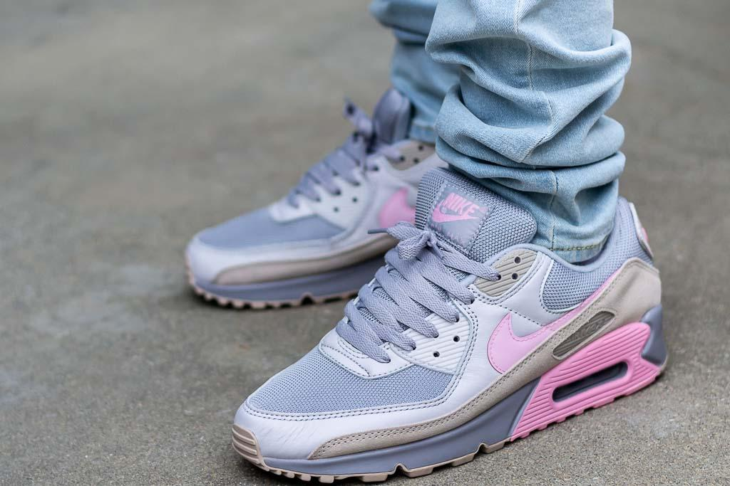 Nike Air Max 90 Vast Grey / Pink Review