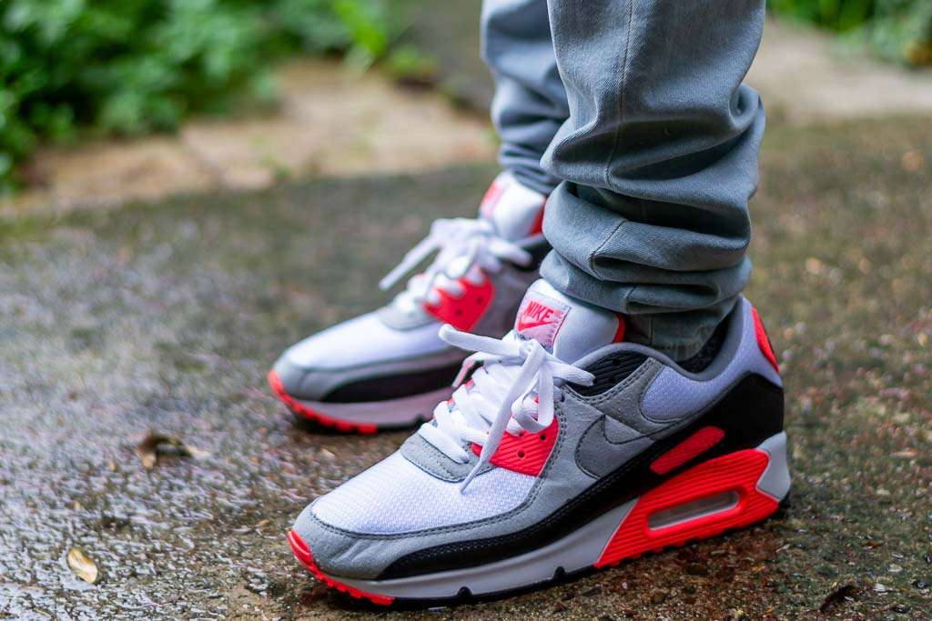 Nike Air Max 90 Infrared AKA Air Max III Radiant Red Review